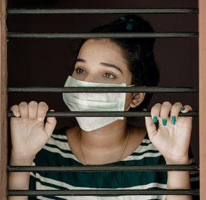 La revista Investigaciones Feministas de la UCM invita a analizar la crisis y consecuencias del COVID-19 desde una perspectiva de Género