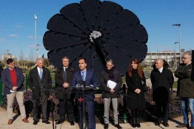 SMART FLOWER Sistema inteligente de producción de energía solar Inaugura Javier Ramos rector URJC